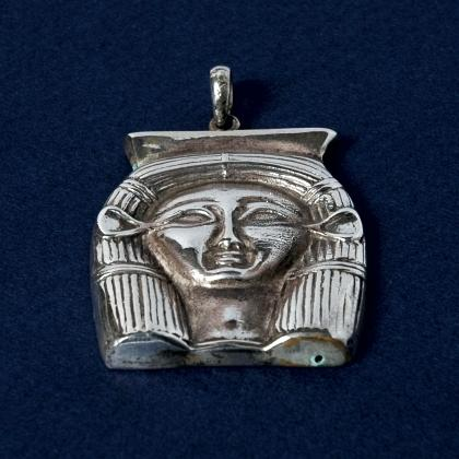 Pandantiv egiptean Hator, argint