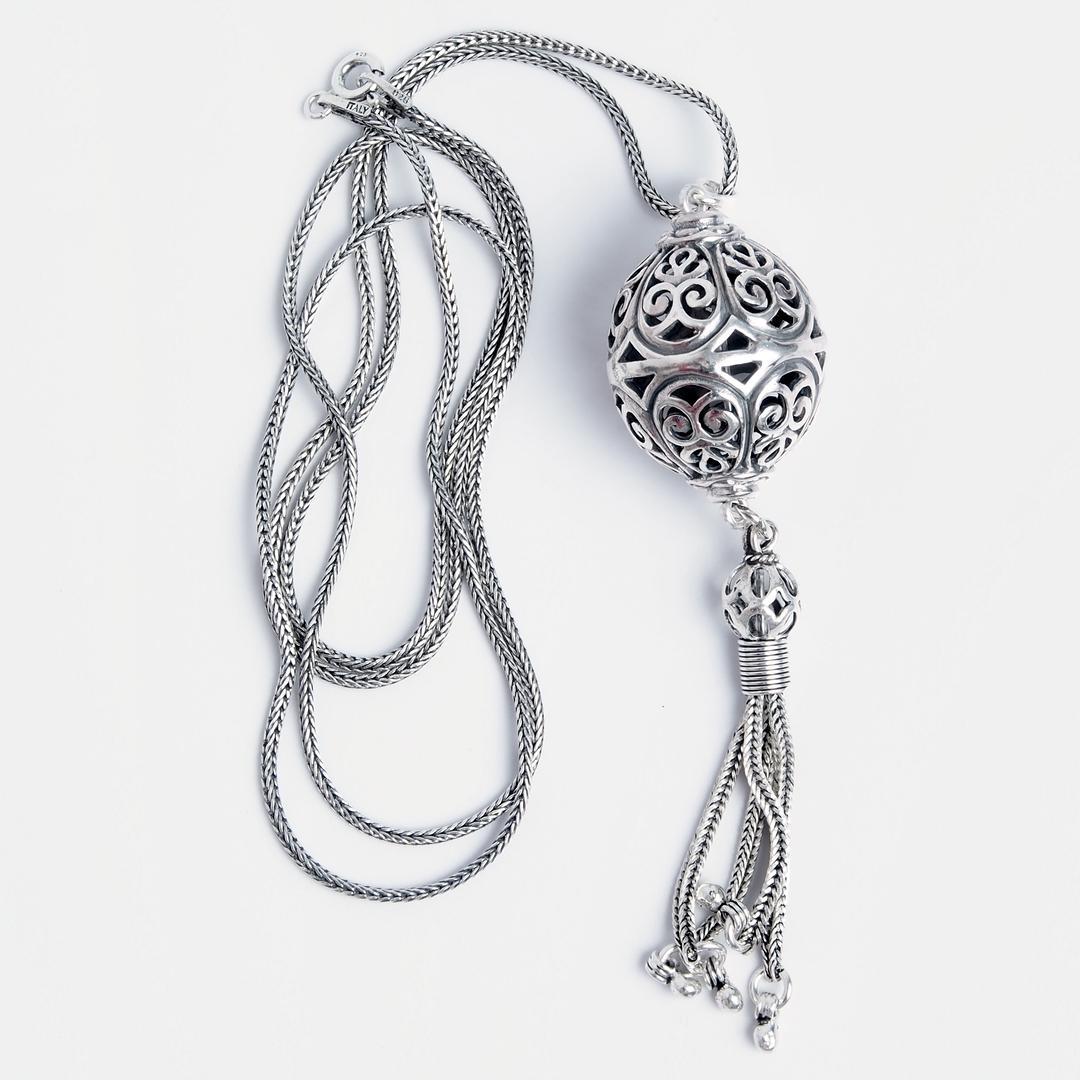 Pandantiv Kawi cu lanț lung, argint, Indonezia