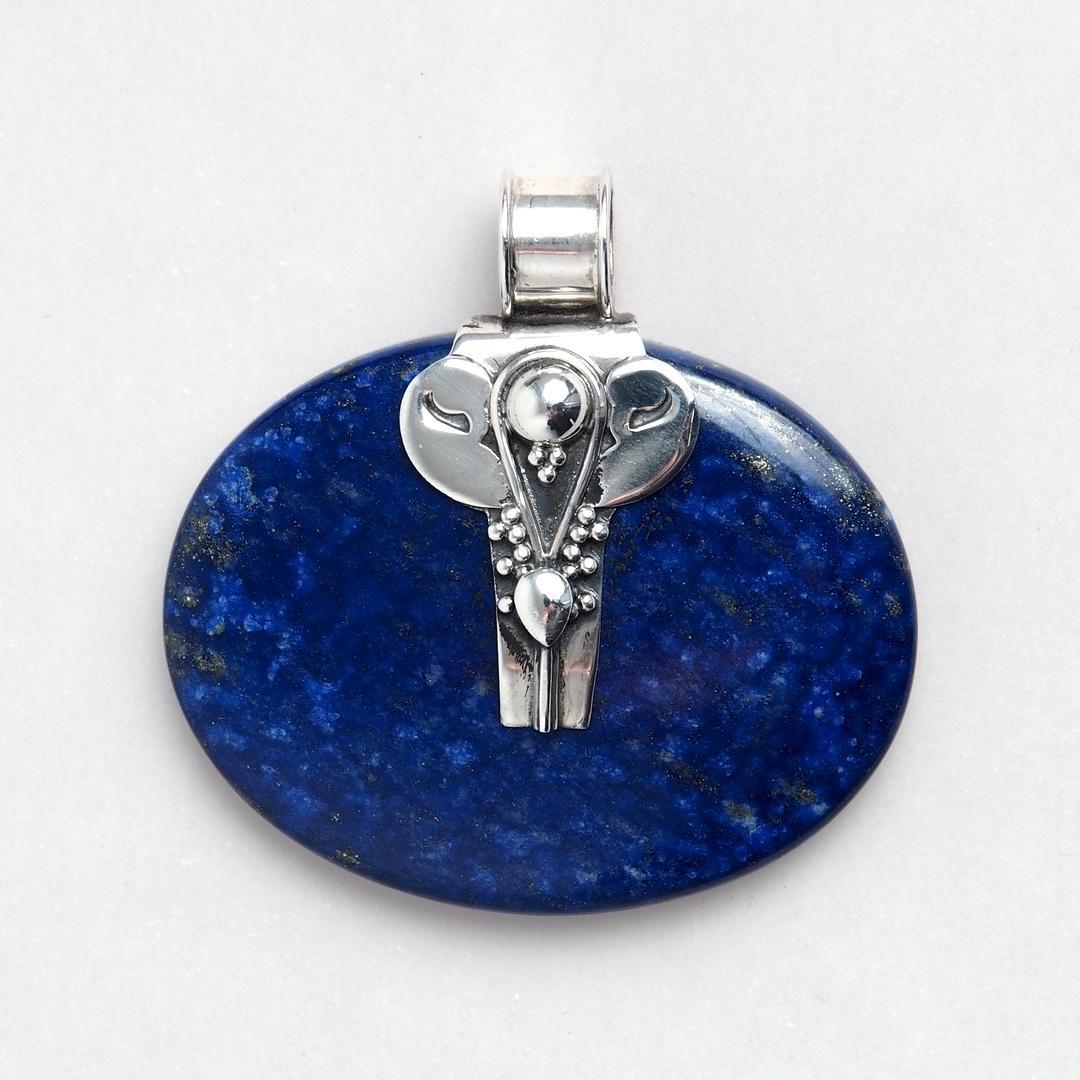 Pandantiv oval Hama, argint și lapis lazuli, India