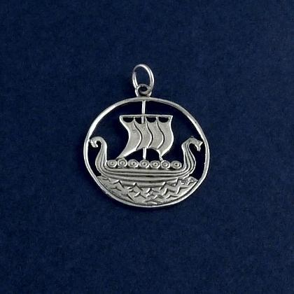 Pandantiv profil navă viking, argint