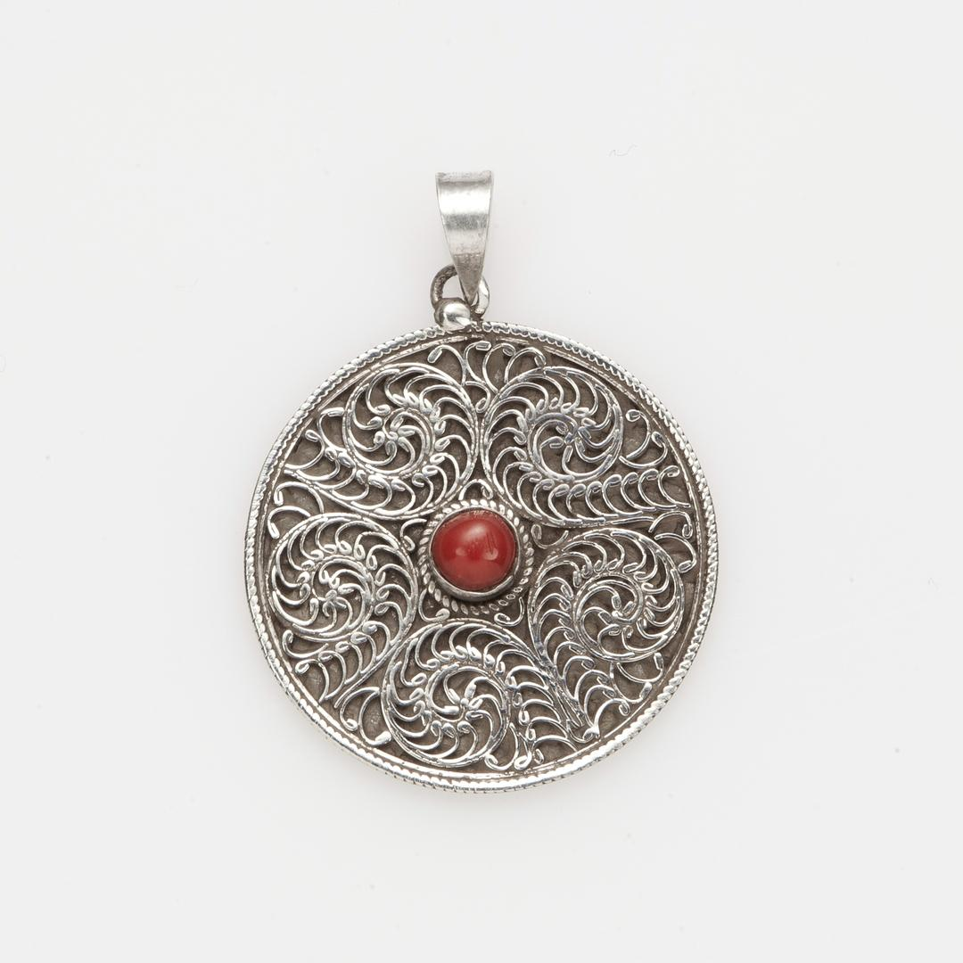 Pandantiv Kamma rotund, filigran, argint și coral, Nepal