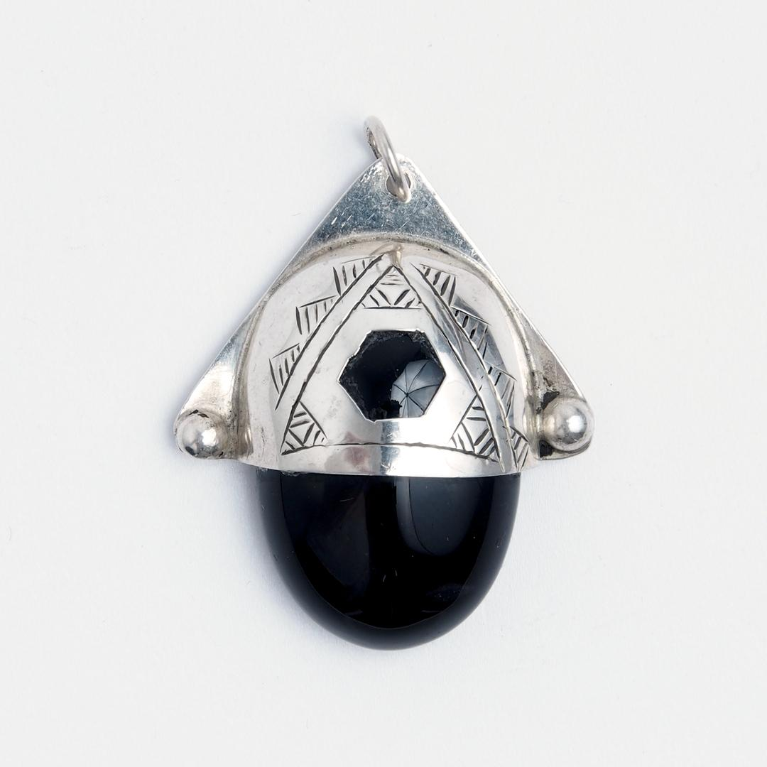 Pandantiv tuareg Ari hexagon, onix negru și argint, Niger