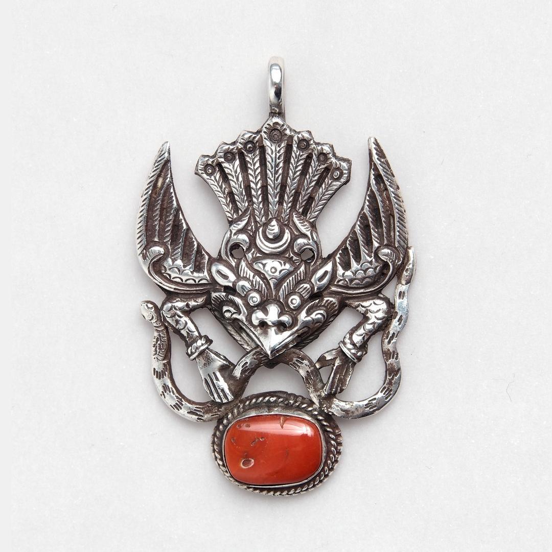 Pandantiv unicat amuletă Garuda, argint și coral, Nepal