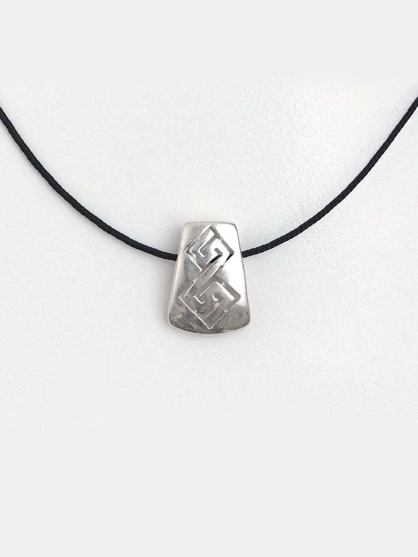 Pandantiv din argint Meandre trapez cu șnur de 40 cm