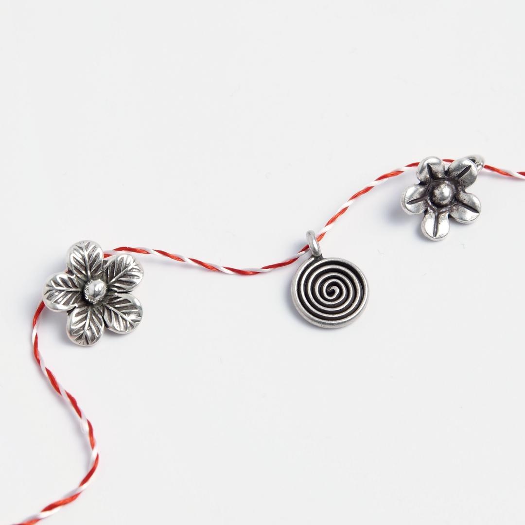 Set 3 mărțișoare din argint: floricicele și spirală